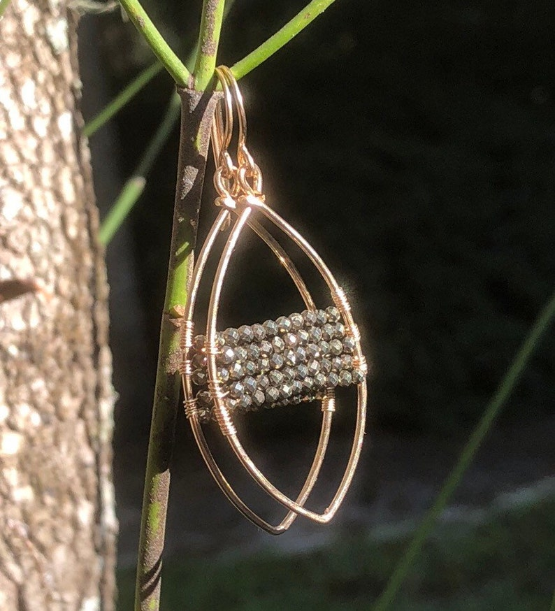 THE SHOW STOPPER Earring image 0