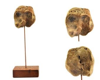 Anthropomorphic minimalist sculpture - Pareidoly - Paleology - Ethnology