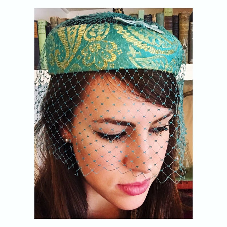 Blue Pillbox hat with veil : Jackie Kennedy hat