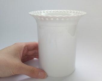 Vintage white vase / White ceramic vase / White porcelain vase / White ruffle vase / Hutschenreuther West Germany vase