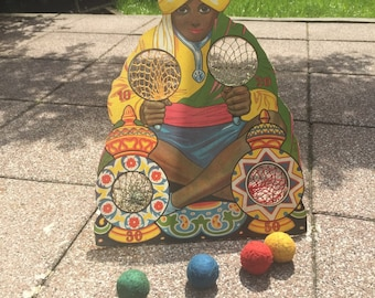 Vintage 1920's ballgame from India. Throwing game. Indian toy. Including original balls. Perfect condition!