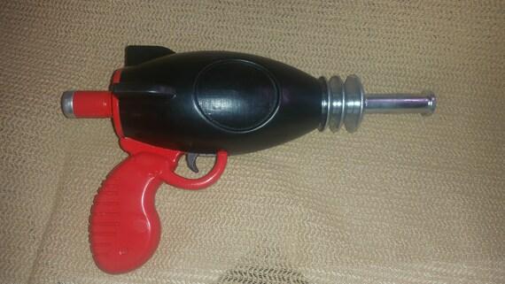 Mini Kühlschrank Nuka Cola : Voller größe fallout 4 nuka cola gun kit für cosplay etsy