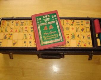 Rare Vintage MAH-JONGG  Bakelite Tile Game Set w/ Betting Sticks