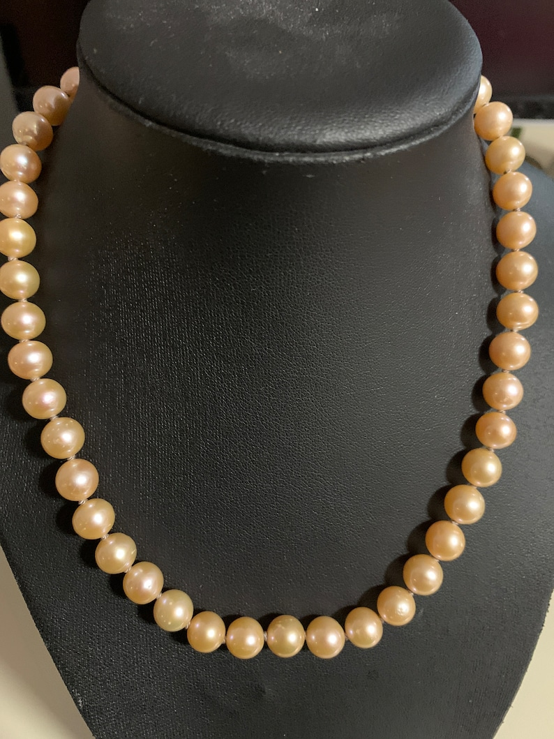 One strand of round peach pearl choker necklace Gold filled CZ ring clasp Hand Knotted on double silk thread 14600
