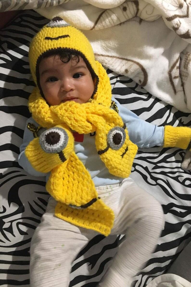 Cappello sciarpa e guanti Minions per bambini ad uncinetto  caa3ecba7e54