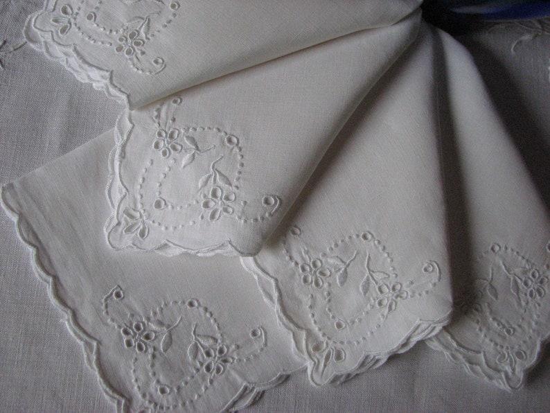 Flower Embroidery! Set of 5 Vintage Embroidered Linen Madeira Napkins