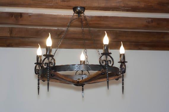Lampadari In Legno Rustici.Lampadario Rustico Ferro Battuto E Legno 5 Luci