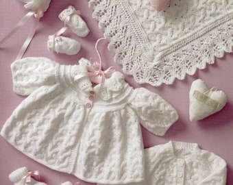 fcc4d18b682d Babies lacy mittens