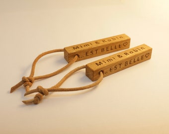 key holder made of oak with personalized lettering