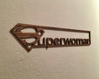 Superwoman plate walnut
