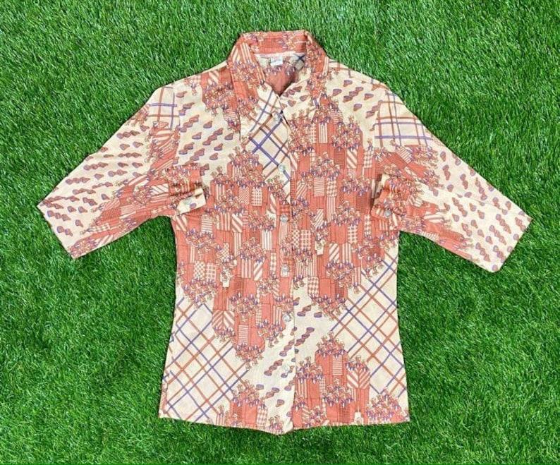 Vintage Wacky Hippie INT Ladies Garment Workers Union ButtonDown Shirt Size Small Dress Shirt 1970s 70s Original Classic Rare Made USA