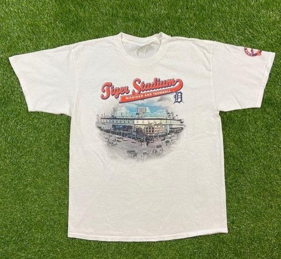 Centre Of The Universe Dudley retro short sleeve baseball t shirt