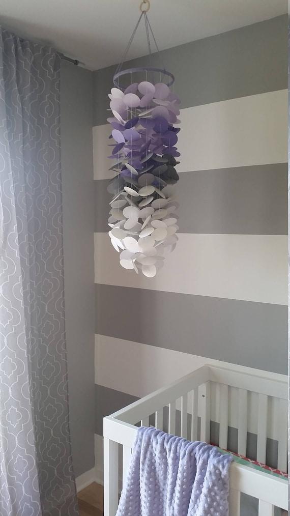 Mobile En Papier Lilas Mauve Violet Gris Et Blanc Chambre De Petite Fille Decoration Chambre Enfant Mobile Decoratif En Papier