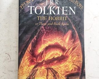 Vintage The Hobbit by JRR Tolkien Book / Books Sci Fi Book Fantasy