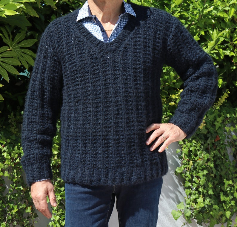 85bbd1b6ea51 Navy Blue Man sweater men Alpaca V-neck hand knitted