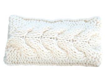 Wool Cushion - Handmade - Handknit -  Scandinavian style - Throw Pillow - Knit cushion - Chunky cushion