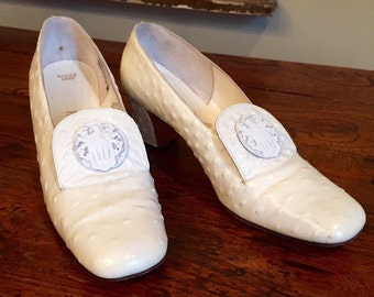 Vintage White Ostrich Palter DeLiso Shoes Size 6-6 1/2