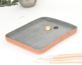 "Grey Leather Valet Tray ""L"""