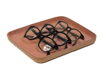 Leather Valet Tray Large Peach. Perfect for storing daily essentials such as keys, glasses, coins, watches, and wallets