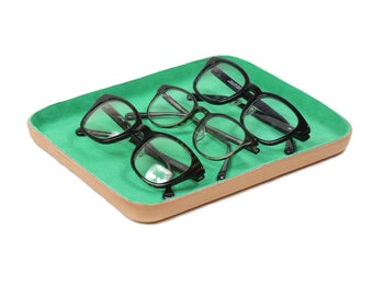 """Leather Valet Tray """"L"""" Emerald , Leather Valet Tray, Jewelry Tray, Leather Tray, Green Leather Tray, Glasses, Key Ring, Coin, Home Decor"""