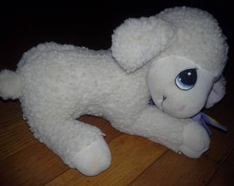wind up plush musical lullaby head moving lamb
