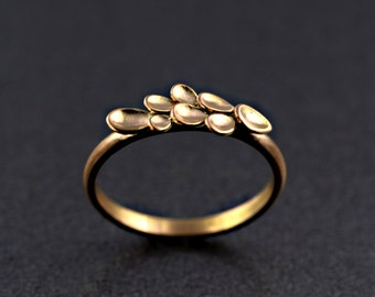 Flower Ring in 9 ct /18 ct Rose Gold, Stacking Ring, Handmade, Made to order