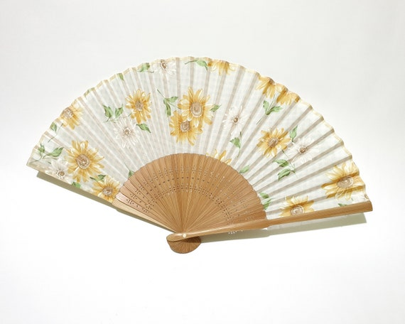 Vintage Japanese Bamboo Handfan with Refreshing Su