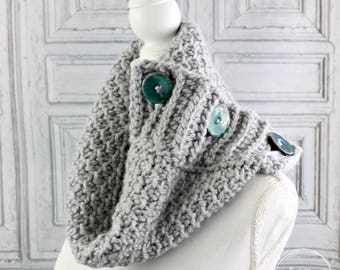 Chunky button scarf, Gray crochet cowl, Ladies scarf, Womens neckwarmer, Infinity scarf, Silver Button Cowl, Big buttons, Bulky scarf