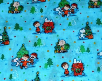 CHRISTMAS PEANUTS FABRIC! By The Half Yard For Quilting / Charlie Brown - Snoopy - Linus - Doghouse