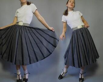Vintage 80s Swing Skirt Black white circle womens skirt Retro style 80s does 50s Flared skirt skirt Rockabilly cotton skirt Medium Large