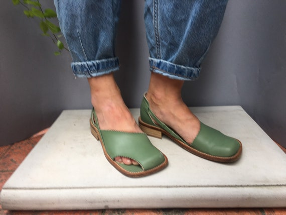 Square toe green Italian sandals GRINTO Leather so
