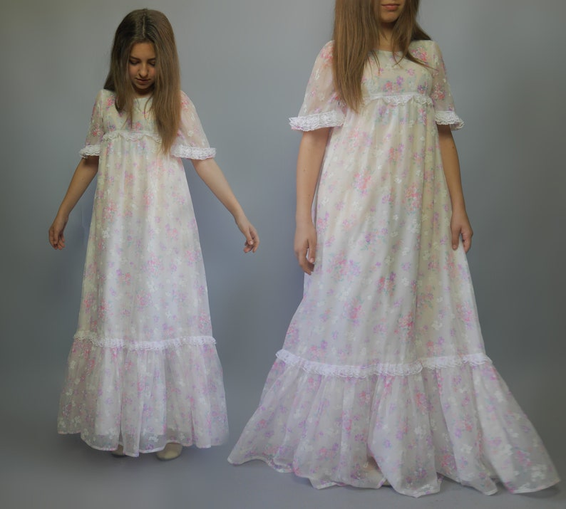 39108d4f6 Flower girls dress Light white shabby floral print PRINCESS