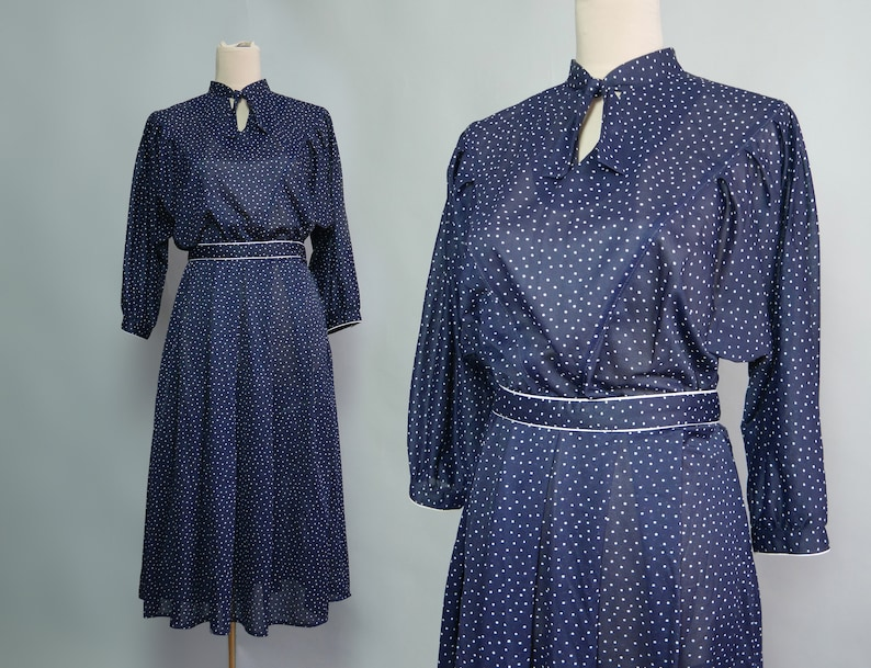 Polka dot print dress in navy white Vintage dress 70s  shirt dress with tie neck with yoke Good for work look