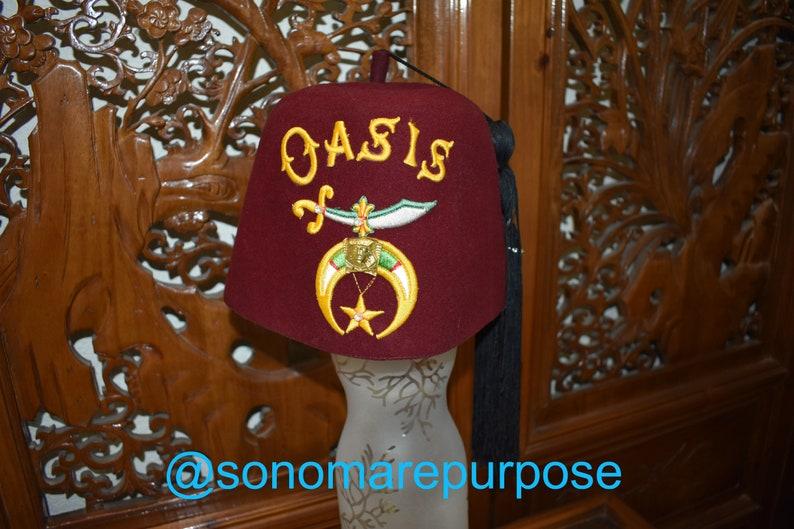 3b9b47c7276 Vintage Oasis Masonic Shriner Fez Hat Lou-Walt of New York