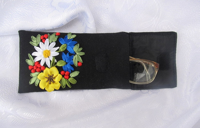 Fabric glasses pouch, ribbon embroidered glasses case,  soft glasses case, embroidered sun glasses case, floral glasses case, padded pouch