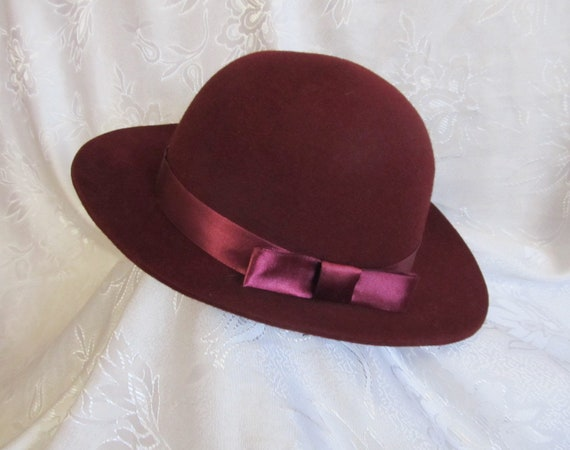 Women felt burgundy hat, romantic bowler hat with