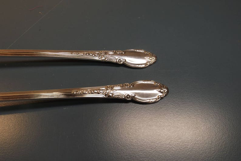 Polished.Gift idea replacement Enchantment 1887 Rogers Oneida Silver Plated Set lot of 2 tea or ice cream spoons 7.5 excellent