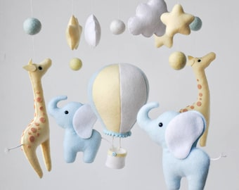 Personalized Elephant giraffe baby mobile, felt baby mobile, hot air balloon mobile, balloon mobile, baby blue, elephant giraffe mobile