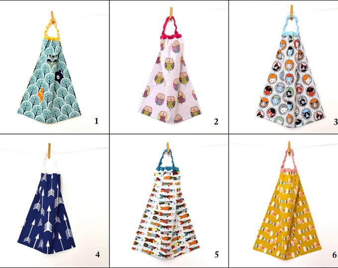 Featured listing image: Towel canteen / large elastic band for infant bib