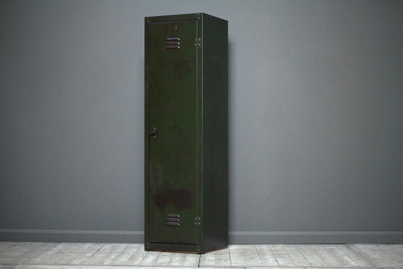 A customisable single door vintage industrial locker with T knob in green