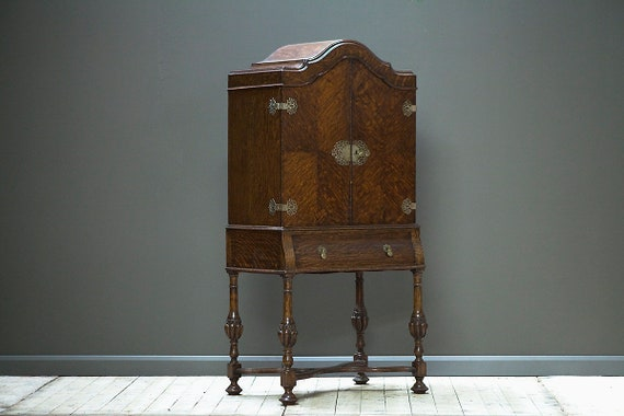 Oak cocktail cabinet. Early 1900's. MAKE AN OFFER. Guide price only.