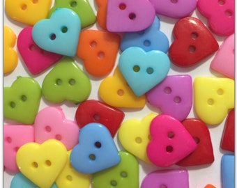 MIXED RED HEARTS 3 Sizes Valentine Wedding Craft Buttons Love Plastic Christmas