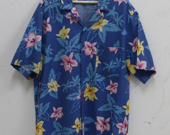 Vintage Paradise Beach Club Hawaiian Hawaii Islands Aloha flower Shirt Rare  Made in USA eb09ba18967a