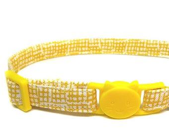 """Yellow Cat Collar """"Canary Cabana"""""""