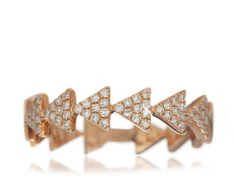 Triangle Diamond Band 14K