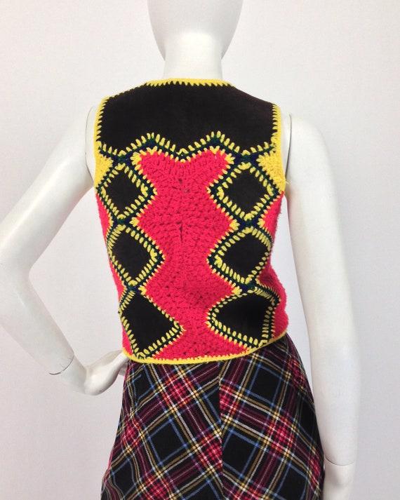 Vintage 70s Vest Top, Patchwork Vest, Crochet & S… - image 6