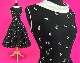 Vintage 50s Novelty Print Dress, 1950s Cocktail Dress, Pin Up Dress, Swing Dress, Rockabilly Dress, Full Skirt, Small, Size 4 6 US, 8 10 UK