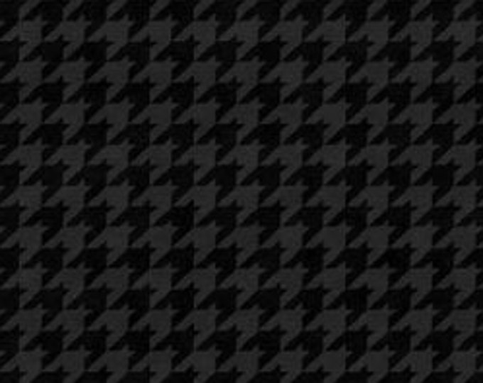 """Black Houndstooth  by Henry Glass  8624-99   44"""" wide 100% Cotton Fabric"""
