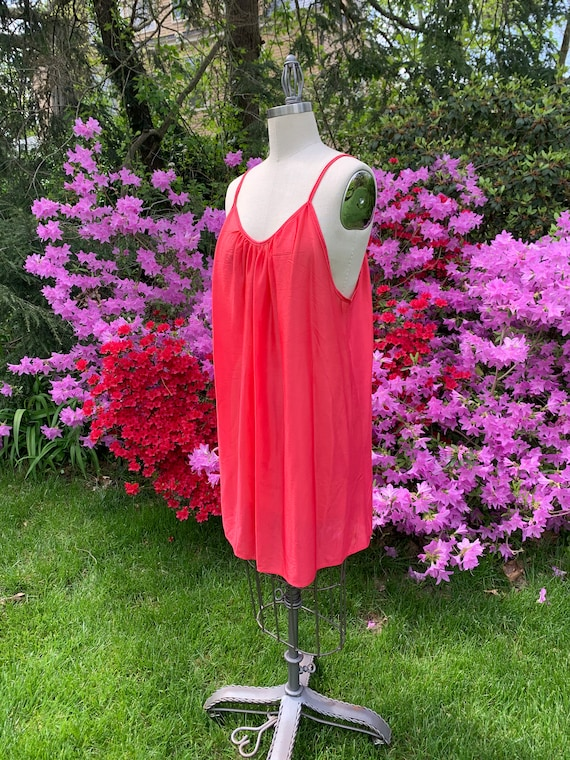 1980's Flirty Raspberry Nightgown - extra large /
