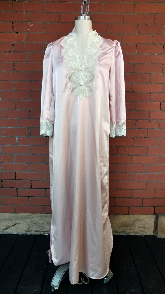 af1ece71860 1960s Barbizon Boutique Princess Nightgown   60s Baby Pink